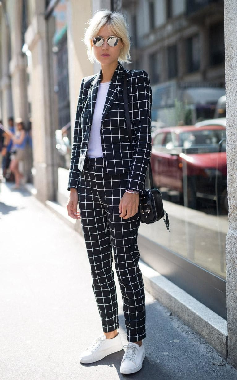 patterned-suit-linda-tol