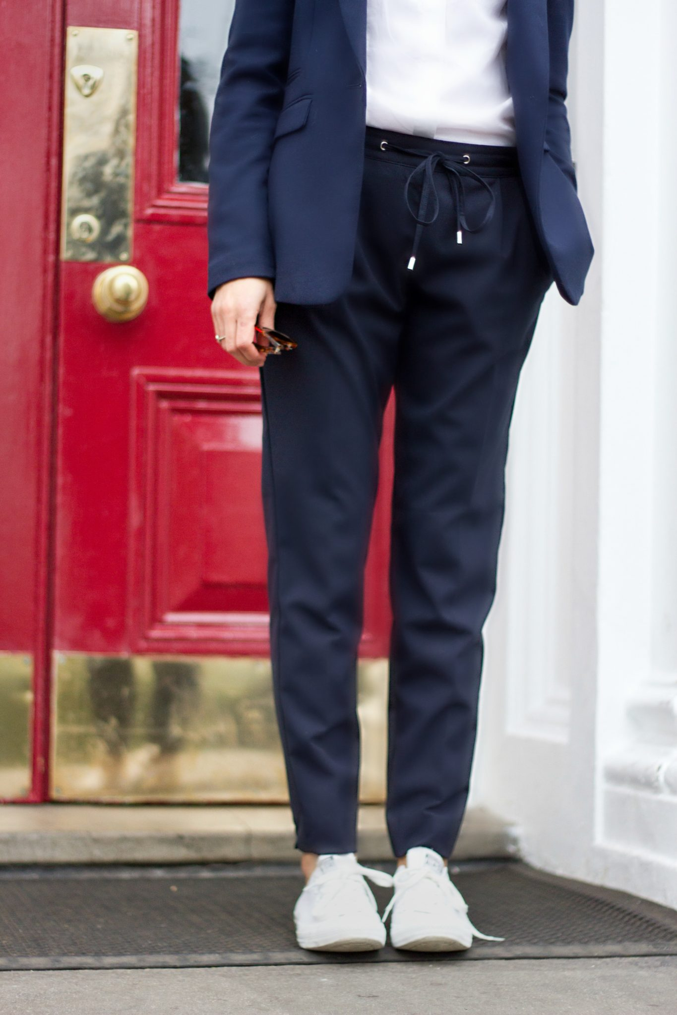 Corporate_Style_Story_Navy_Drawstring_Trousers_White_Shirt_Navy_Blazer_Just_Legs_Outside_Red_Door_2212_3318
