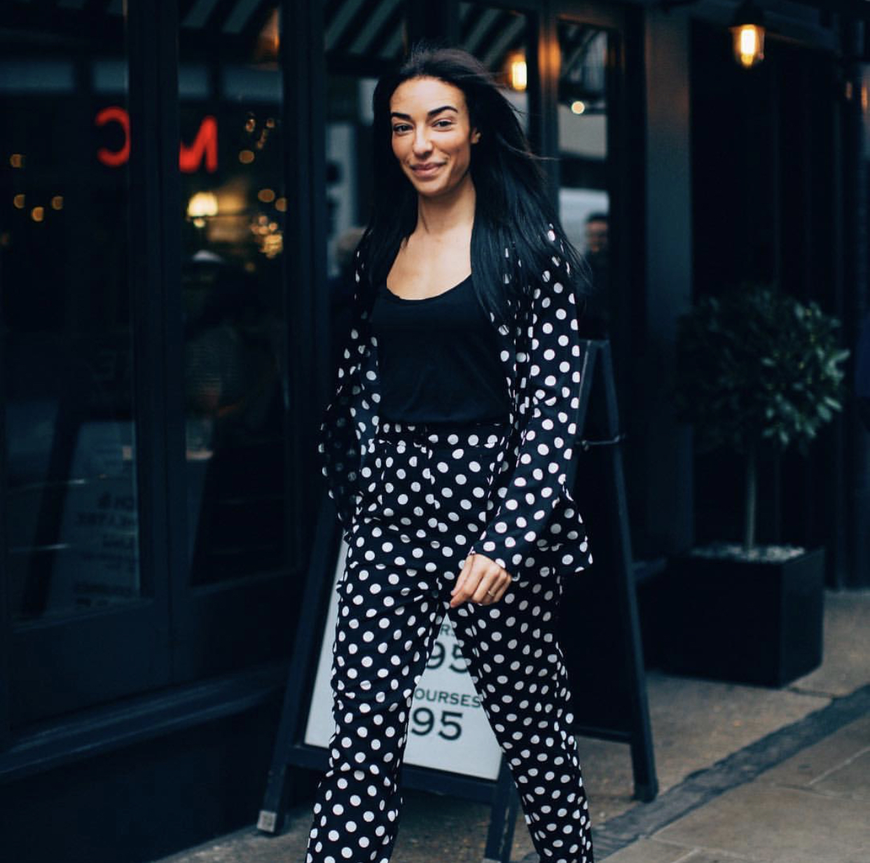 polka-dot-spring-outfit-corporate-style-story
